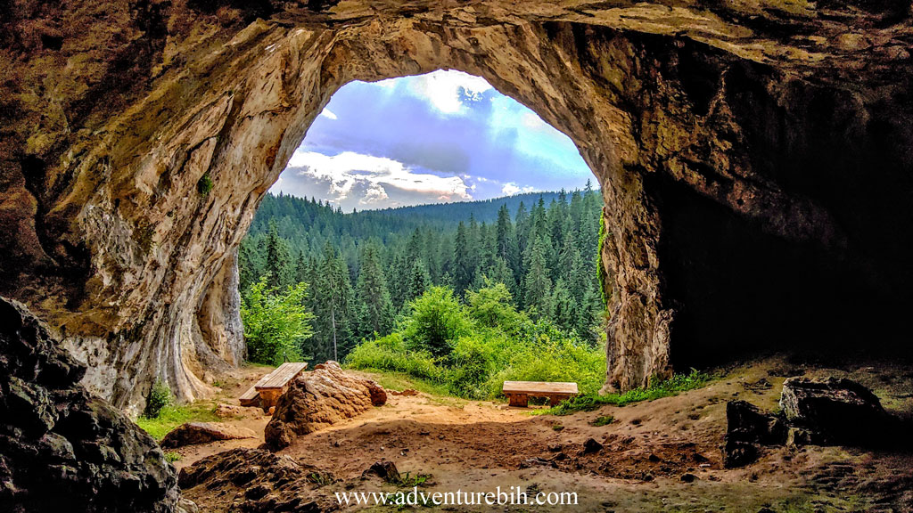 Bijambare cave tour