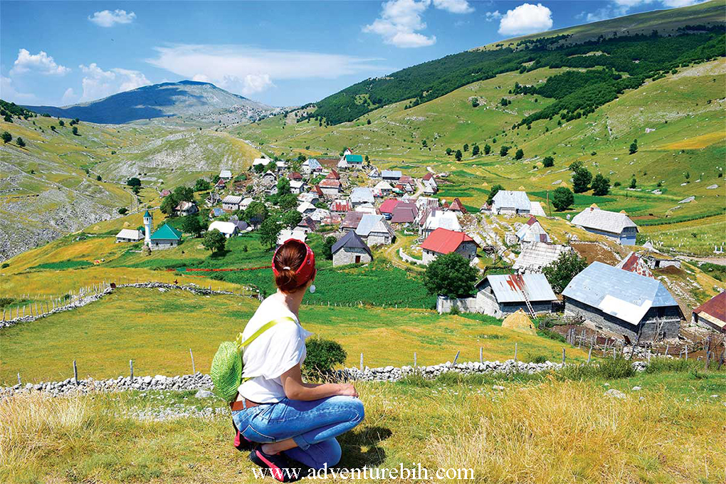 Hiking tuor Lukomir village
